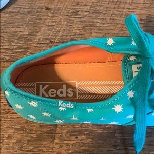 Keds Shoes - Keds Tennies  Green/ White  Size 81/2